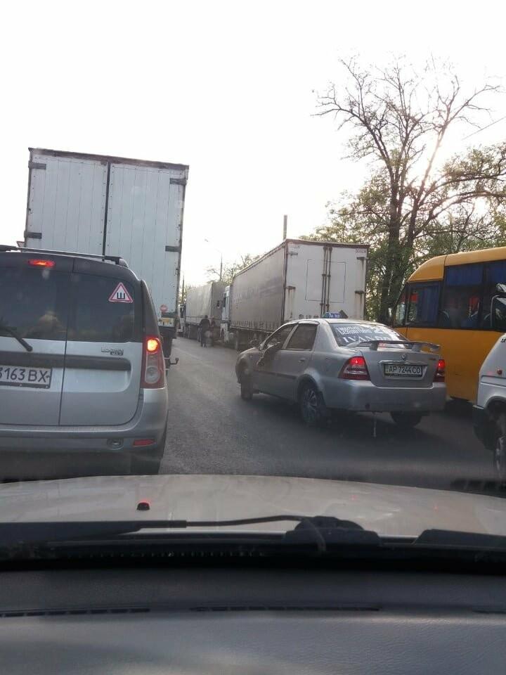 В Запорожье из-за ДТП на мосту Преображенского образовалась огромная пробка, - ФОТО, фото-4