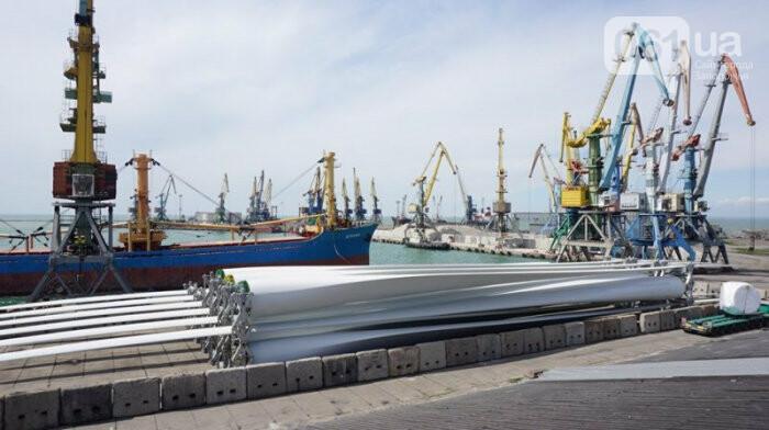 В Бердянский порт зашло судно с гондолами и лопастями для Приморской ВЭС, - ФОТО, фото-4
