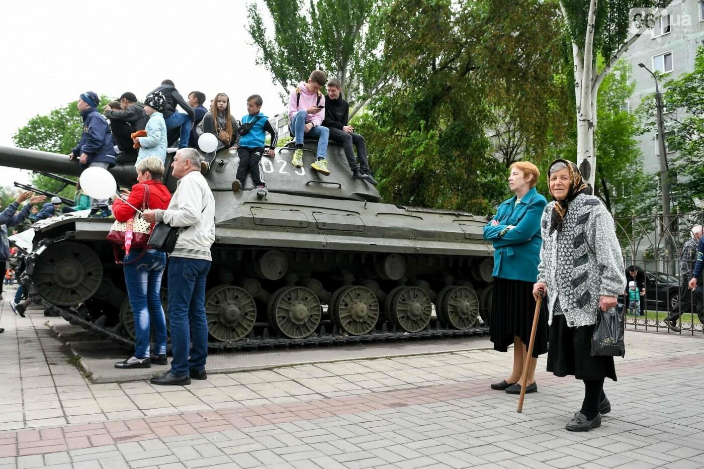 """Богуслаев на """"Победе"""", полевая кухня и концерт: в Запорожье в парке Климова проходят гуляния, - ФОТОРЕПОРТАЖ, фото-25"""