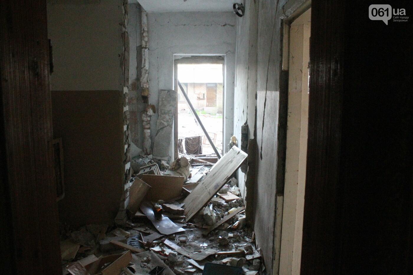 В центре Запорожья разрушается заброшенное здание института «Запорожгражданпроект», – ФОТОРЕПОРТАЖ  , фото-12
