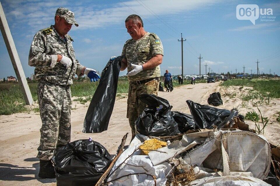 В Кирилловке провели масштабный субботник – вывезли 10 тонн мусора, - ФОТОРЕПОРТАЖ, фото-8