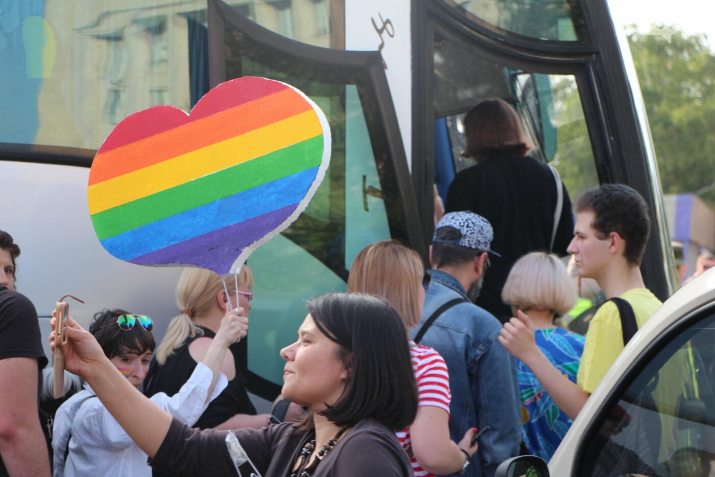 """""""Радужный флешмоб"""" переехал из-за угрозы насилия: как прошла ЛГБТ-акция в Запорожье, - ФОТОРЕПОРТАЖ, фото-48"""