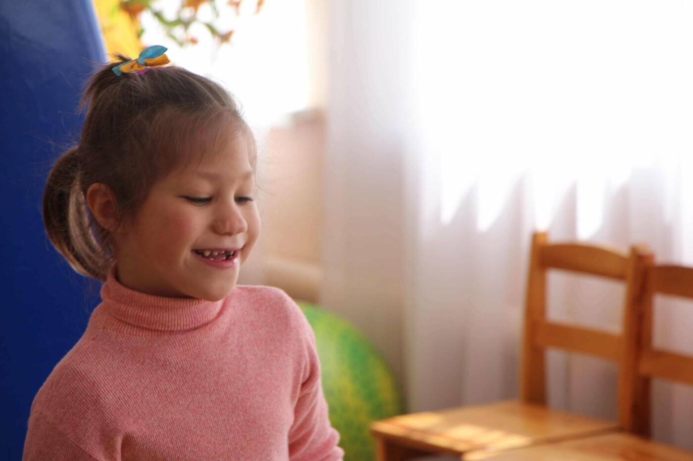 Познакомиться с будущим ребенком: как и почему волонтеры создают анкеты для запорожских сирот, фото-16
