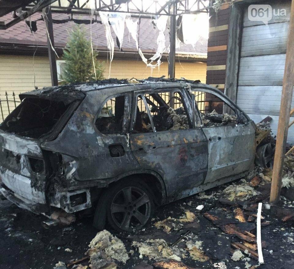 В Запорожье в гараже сгорело BMW Х5, - ФОТО, фото-1