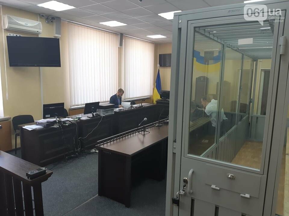 Запорожский суд отменил залог и арестовал полицейского, которого подозревают в совершении ДТП – в аварии погибла семья, - ФОТО, фото-4