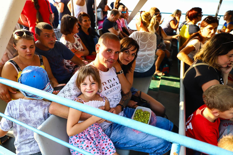 Речной пассажирский транспорт в Запорожье работает неделю: есть ли спрос и что говорят в мэрии, - ФОТОРЕПОРТАЖ, фото-6