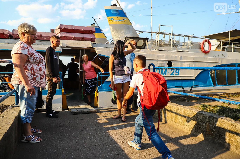 Речной пассажирский транспорт в Запорожье работает неделю: есть ли спрос и что говорят в мэрии, - ФОТОРЕПОРТАЖ, фото-7