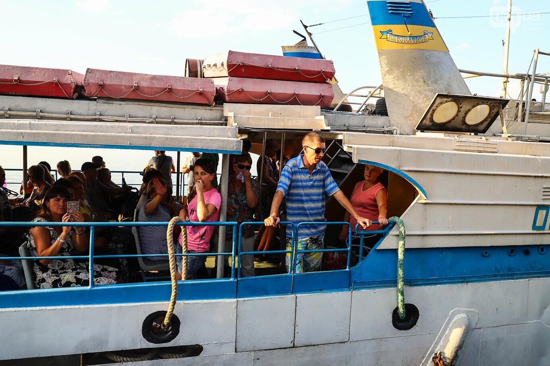 Речной пассажирский транспорт в Запорожье работает неделю: есть ли спрос и что говорят в мэрии, - ФОТОРЕПОРТАЖ, фото-13