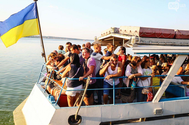Речной пассажирский транспорт в Запорожье работает неделю: есть ли спрос и что говорят в мэрии, - ФОТОРЕПОРТАЖ, фото-15