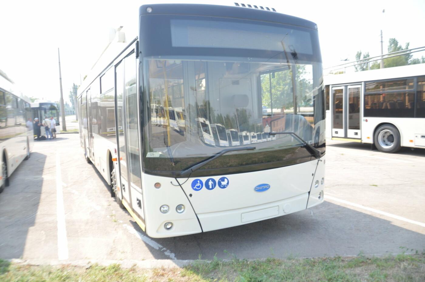 В Запорожье на линию выйдут пять новых троллейбусов с автономным ходом, - ФОТОРЕПОРТАЖ, фото-12