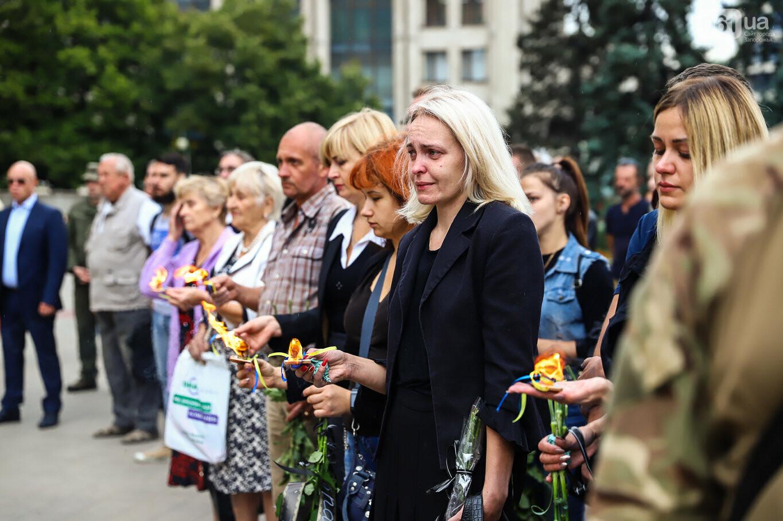 В центре Запорожья простились с азовцем: церемония прошла по родноверскому обряду, - ФОТОРЕПОРТАЖ, фото-26