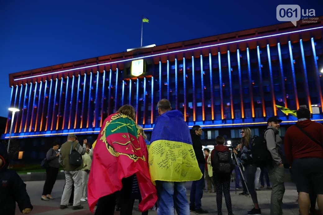 Нет капитуляции: запорожцы вышли на митинг против формулы Штайнмайера, - ФОТОРЕПОРТАЖ, фото-6