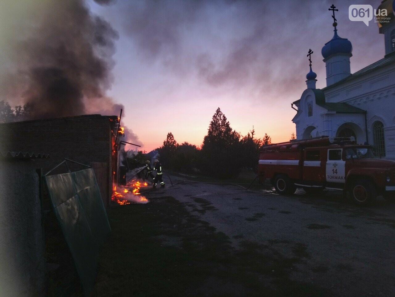 В Запорожской области сгорели гаражи на территории мужского монастыря, фото-3