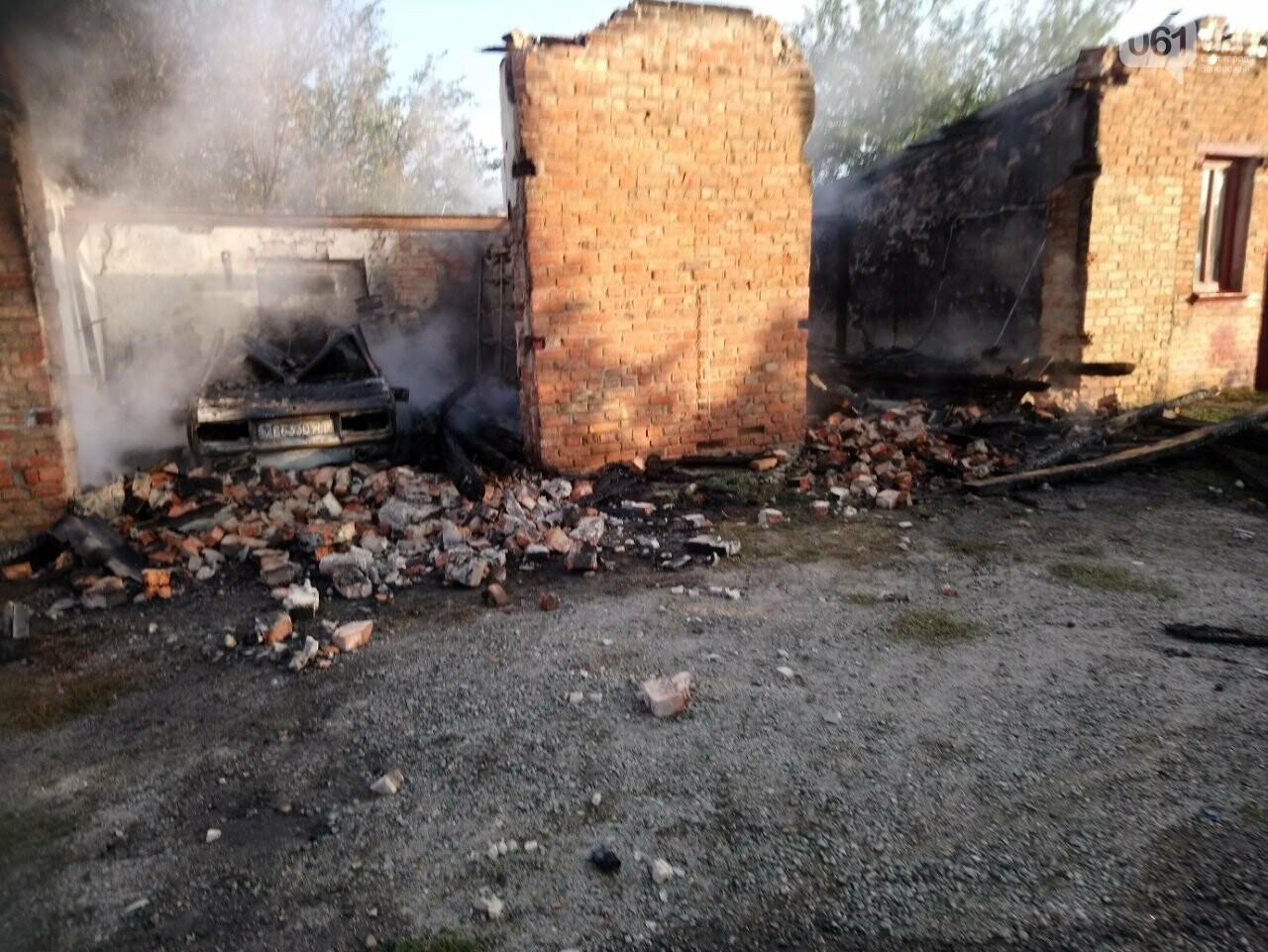 В Запорожской области сгорели гаражи на территории мужского монастыря, фото-4