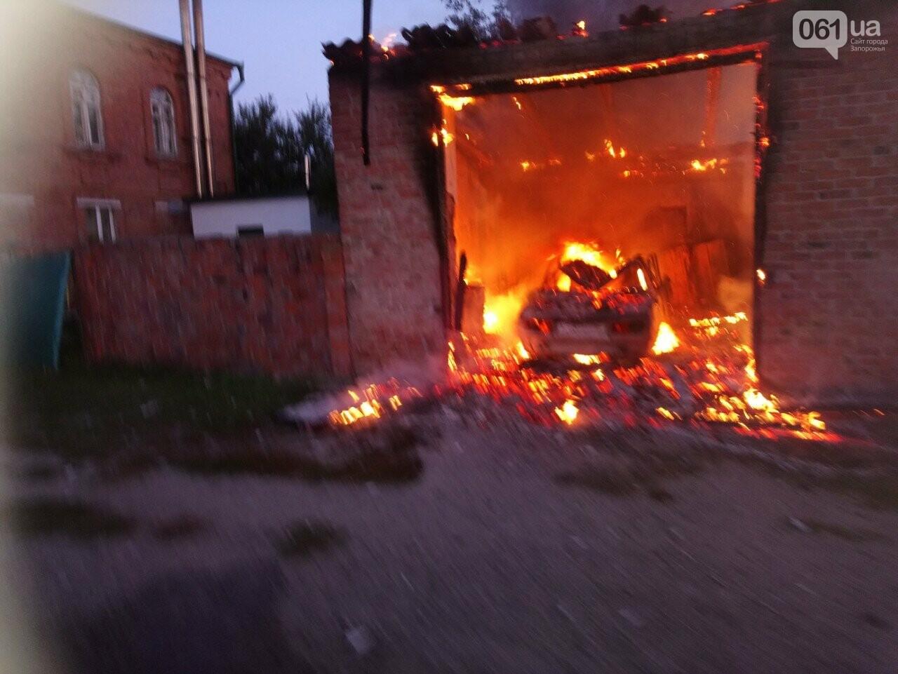 В Запорожской области сгорели гаражи на территории мужского монастыря, фото-2