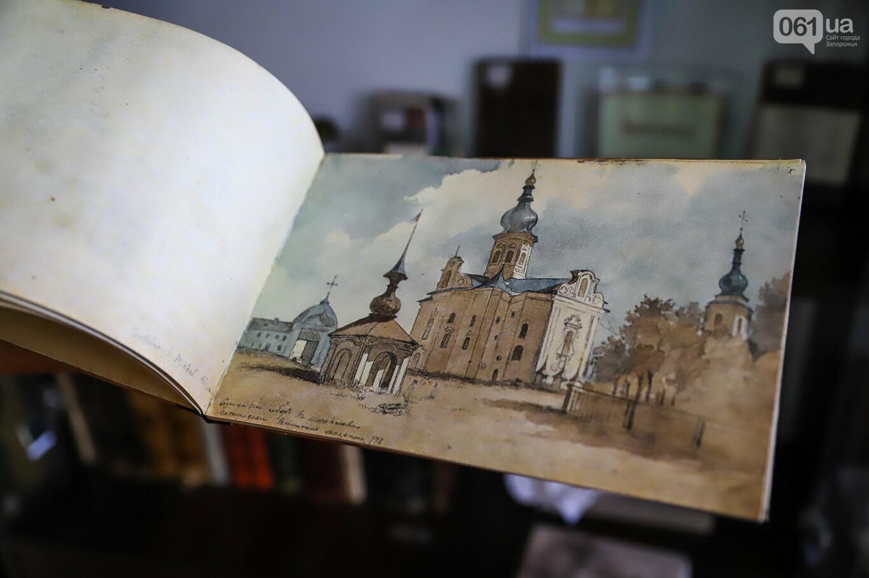 Газеты на иврите и 18-килограммовая книга: что берегут в хранилищах Запорожской областной библиотеки, - ФОТОРЕПОРТАЖ, фото-26