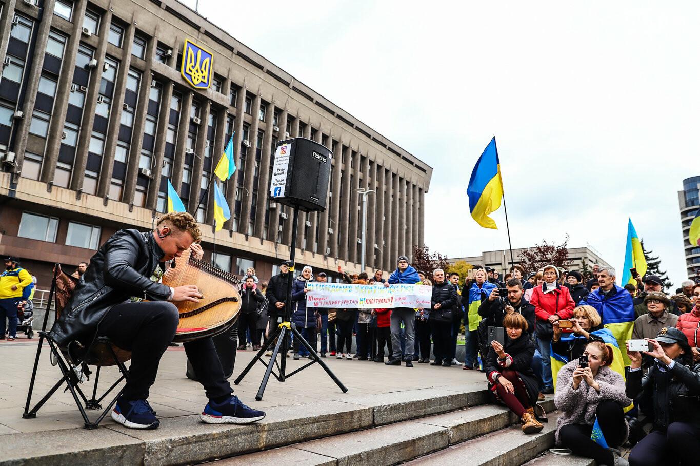 Создание штаба сопротивления, выступление кобзаря и героини Майдана: как в Запорожье прошло вече против капитуляции, - ФОТОРЕПОРТАЖ, фото-52