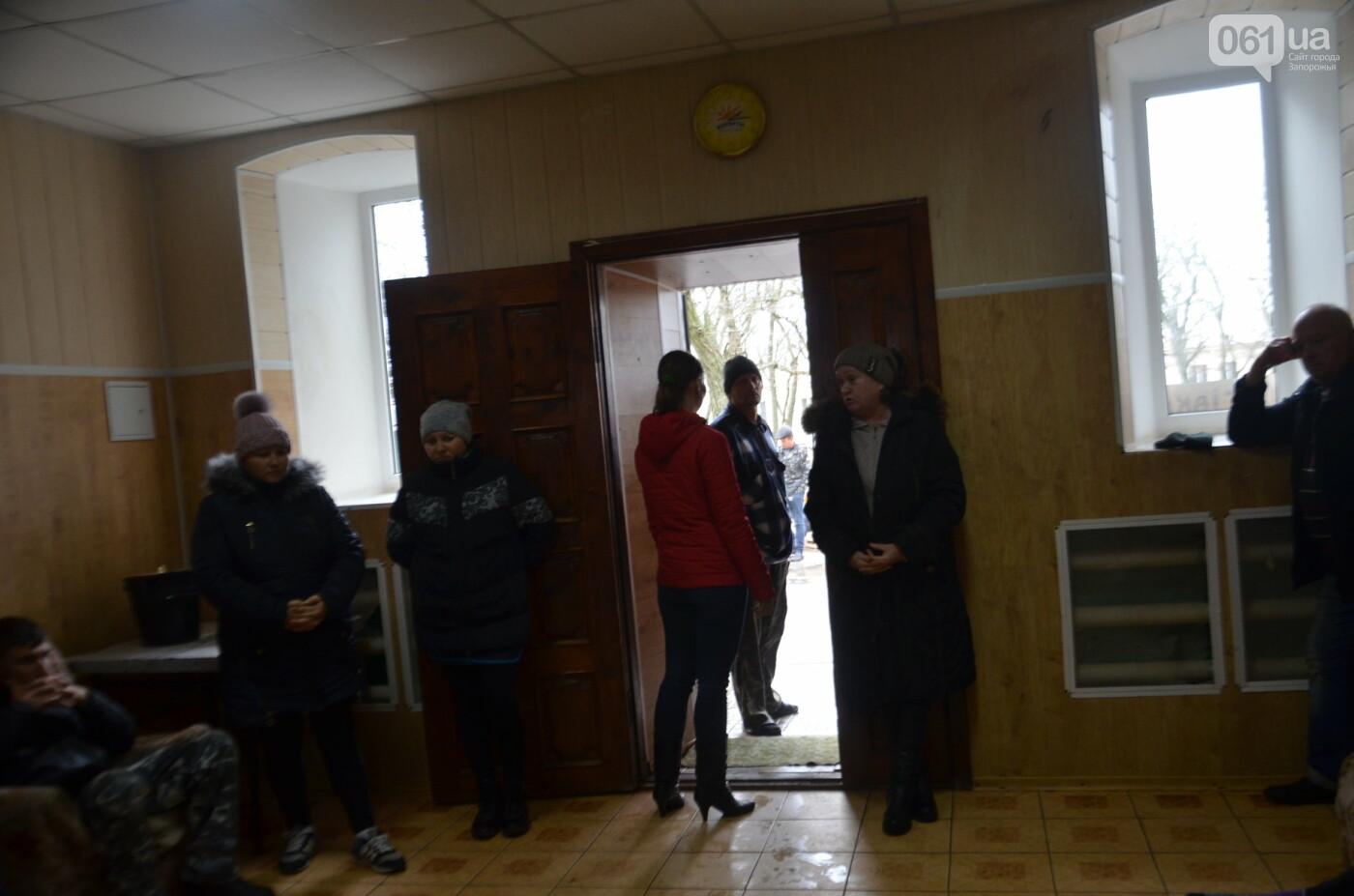 «Я сирота. Это мой дом»: воспитанники из Черниговского интерната вынуждено покинули свою обитель, фото-25