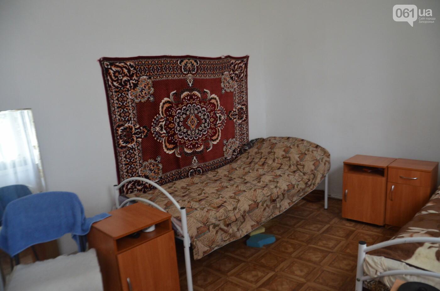 «Я сирота. Это мой дом»: воспитанники из Черниговского интерната вынуждено покинули свою обитель, фото-7