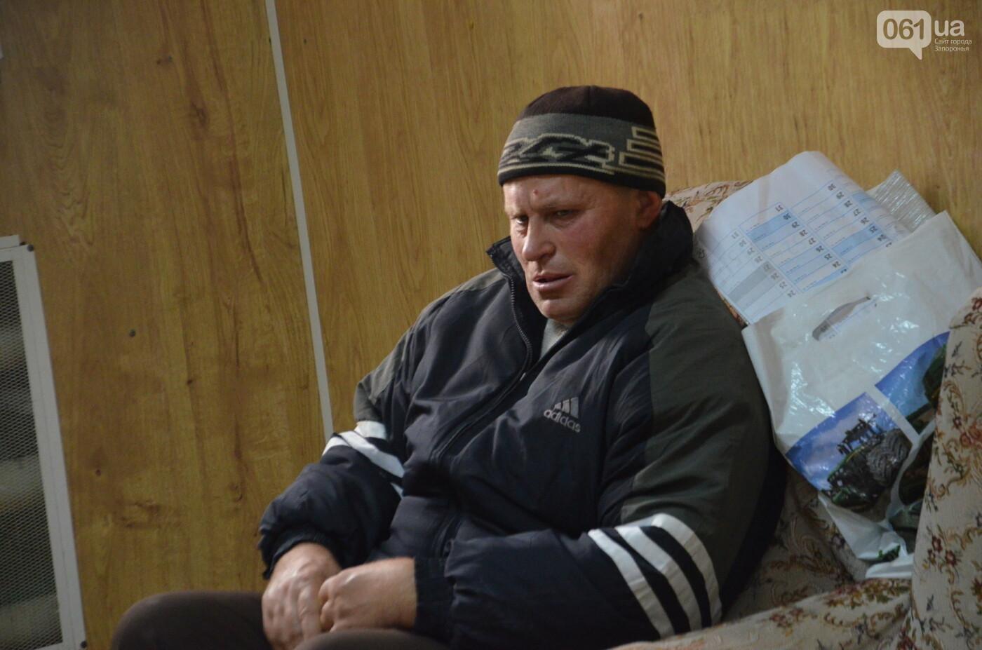 «Я сирота. Это мой дом»: воспитанники из Черниговского интерната вынуждено покинули свою обитель, фото-36
