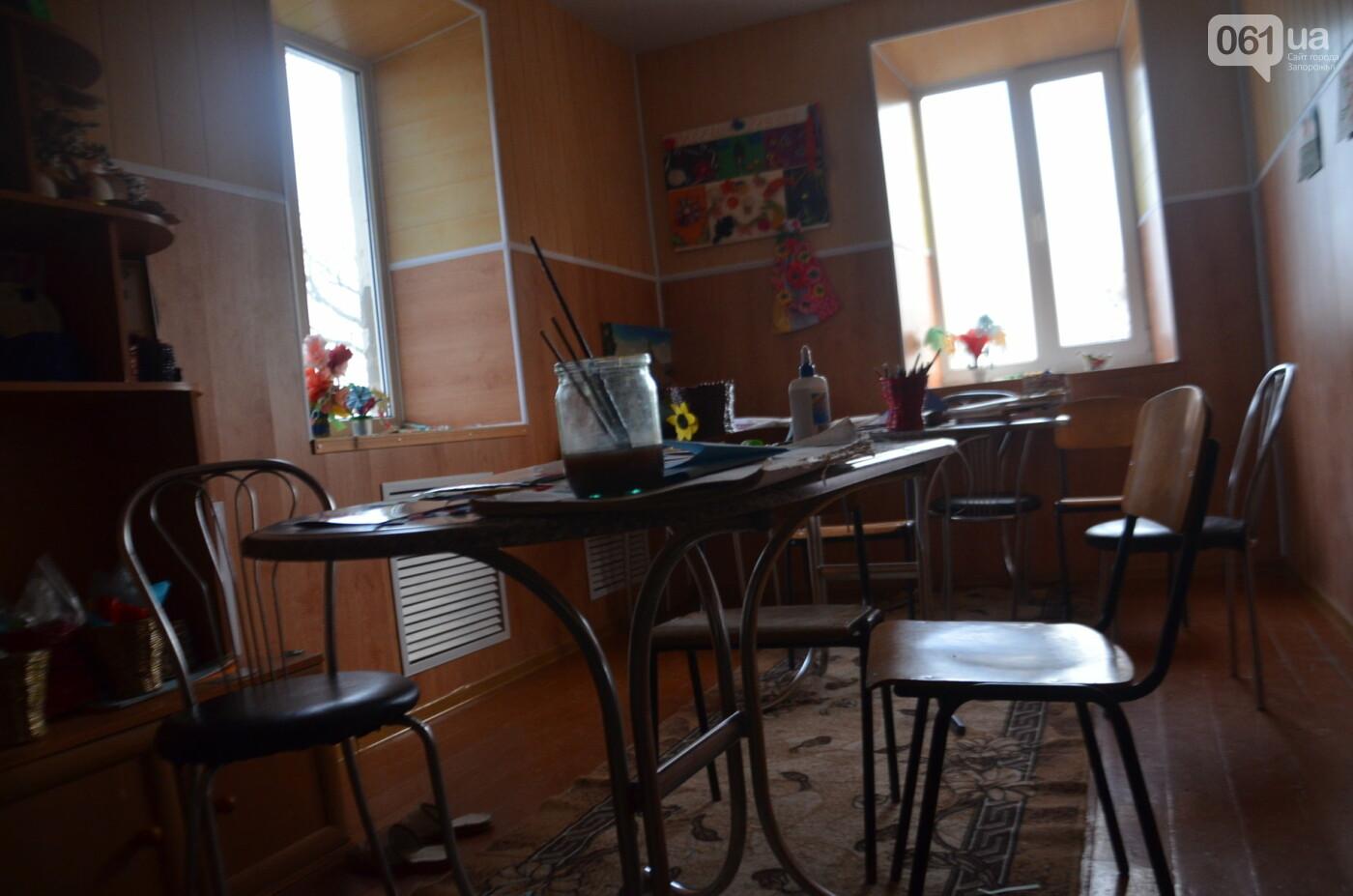 «Я сирота. Это мой дом»: воспитанники из Черниговского интерната вынуждено покинули свою обитель, фото-22