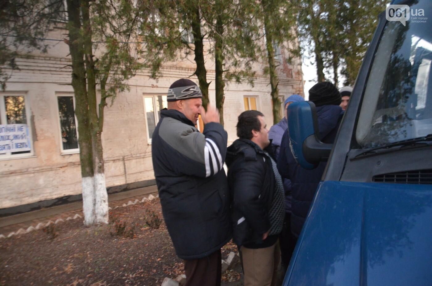 «Я сирота. Это мой дом»: воспитанники из Черниговского интерната вынуждено покинули свою обитель, фото-43