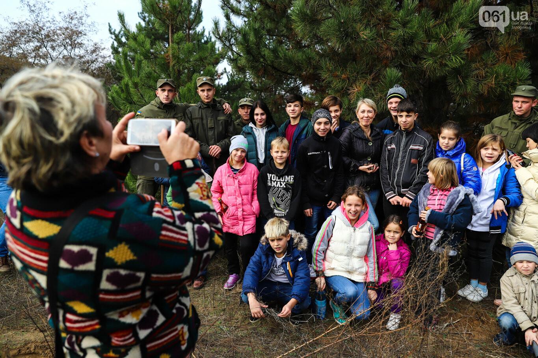 """""""Новая жизнь Хортицы"""" : на заповедном острове высадили 200 дубов и сосен, - ФОТОРЕПОРТАЖ, фото-25"""