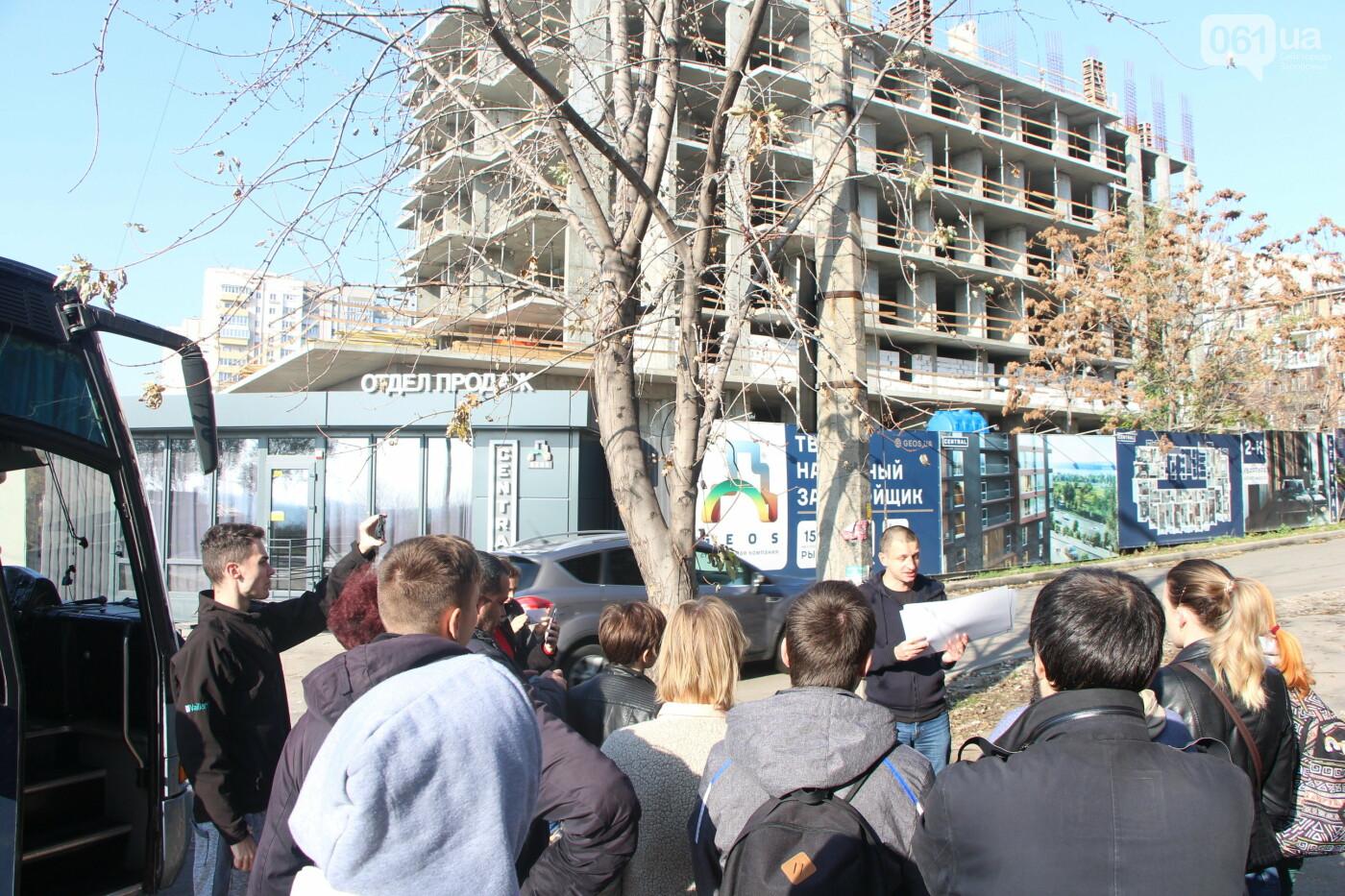 """""""Анисимов просто лох"""": на антикоррупционной экскурсии рассказали, кто приезжает в новый """"золотой офис"""", - ФОТОРЕПОРТАЖ, фото-4"""