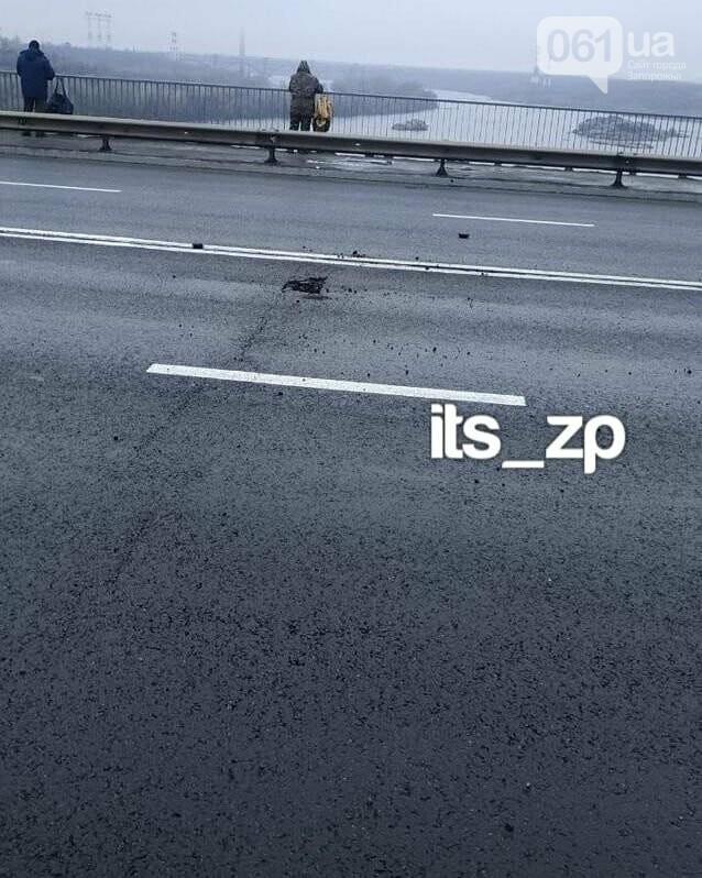 """На плотине ДнепроГЭС """"латают"""" дорогу, которую недавно отремонтировали за 100 миллионов, - ФОТО, фото-1"""
