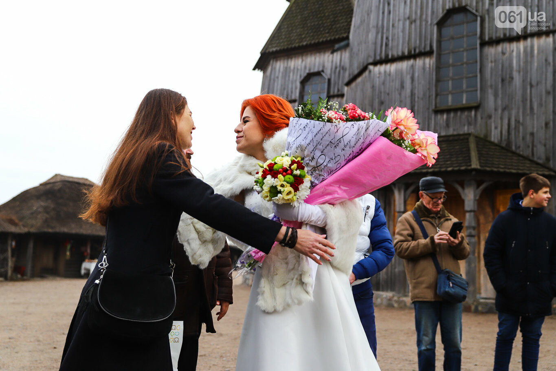 «Весь конфетно-букетный период прошел в окопах»: в Запорожье поженились военные, которые познакомились на передовой, - ФОТОРЕПОРТАЖ, фото-2