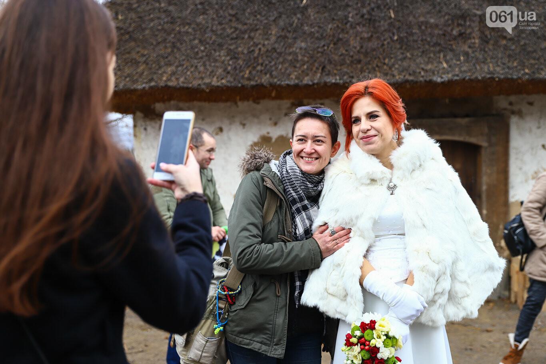 «Весь конфетно-букетный период прошел в окопах»: в Запорожье поженились военные, которые познакомились на передовой, - ФОТОРЕПОРТАЖ, фото-3