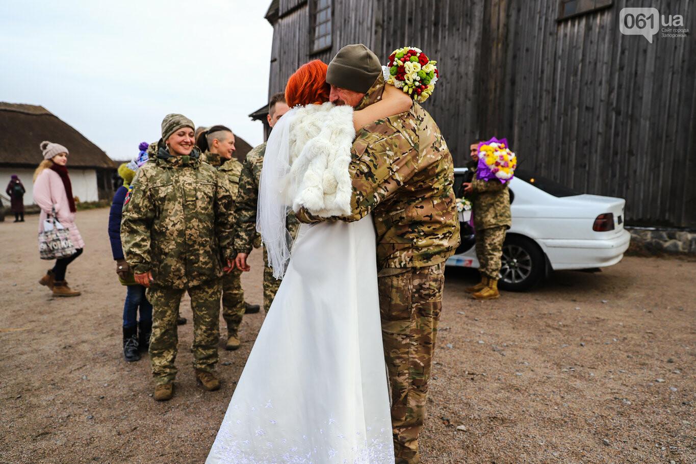 «Весь конфетно-букетный период прошел в окопах»: в Запорожье поженились военные, которые познакомились на передовой, - ФОТОРЕПОРТАЖ, фото-6