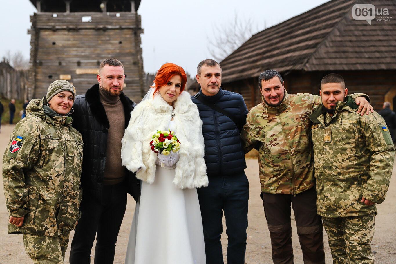 «Весь конфетно-букетный период прошел в окопах»: в Запорожье поженились военные, которые познакомились на передовой, - ФОТОРЕПОРТАЖ, фото-10