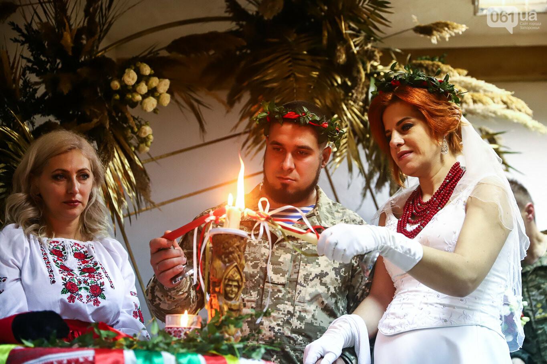 «Весь конфетно-букетный период прошел в окопах»: в Запорожье поженились военные, которые познакомились на передовой, - ФОТОРЕПОРТАЖ, фото-24