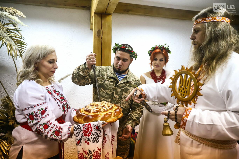 «Весь конфетно-букетный период прошел в окопах»: в Запорожье поженились военные, которые познакомились на передовой, - ФОТОРЕПОРТАЖ, фото-32