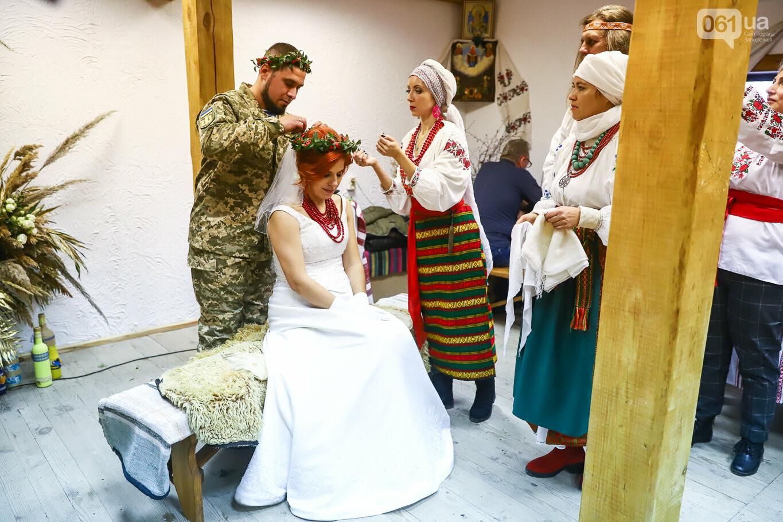 «Весь конфетно-букетный период прошел в окопах»: в Запорожье поженились военные, которые познакомились на передовой, - ФОТОРЕПОРТАЖ, фото-40