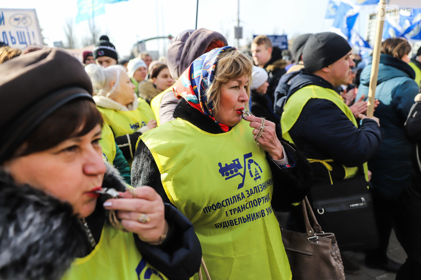 В Запорожье на протестную акцию профсоюзов «Волна гнева» вышло около 2000 человек, - ФОТОРЕПОРТАЖ, фото-22