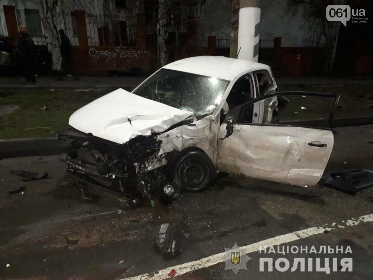 В Мелитополе столкнулись Nissan и Volkswagen - один человек погиб, еще трое в больнице, фото-2