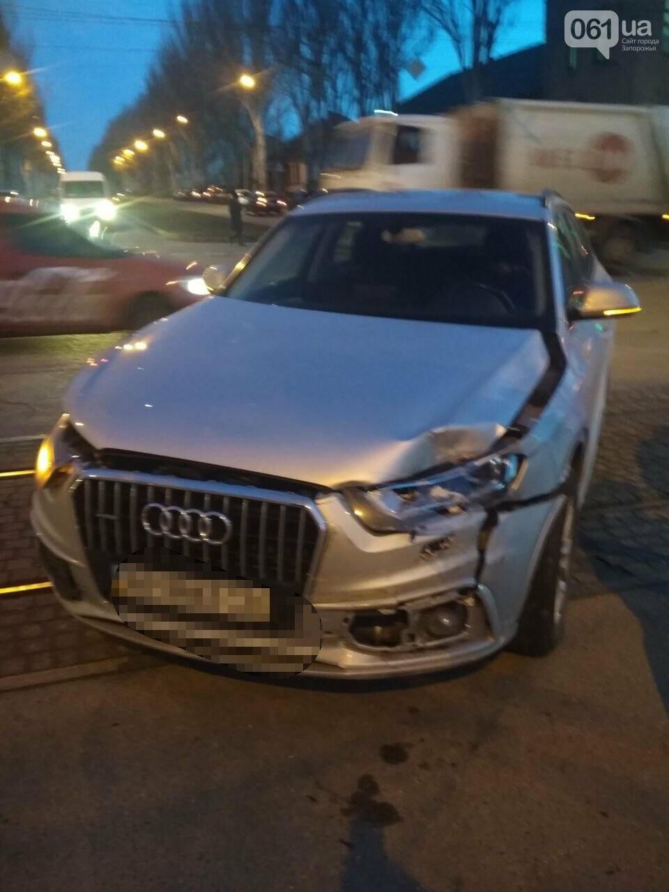 В Запорожье столкнулись два автомобиля, один человек пострадал, - ФОТО, фото-1