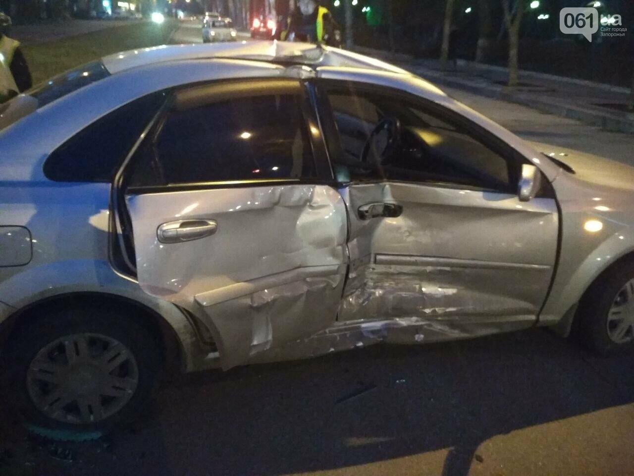 В Запорожье столкнулись два автомобиля, один человек пострадал, - ФОТО, фото-3