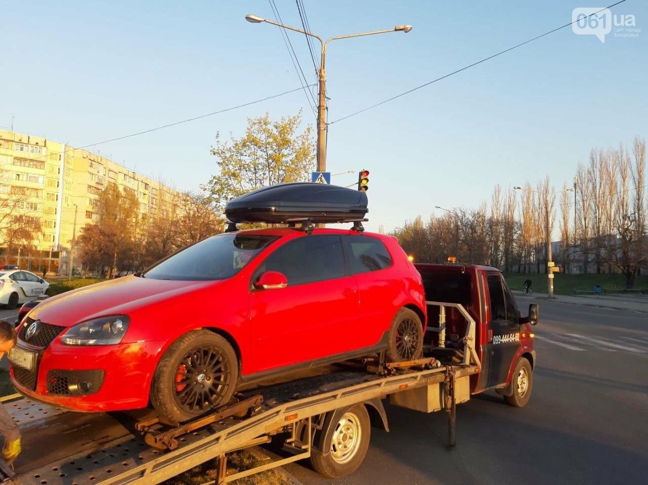 В Запорожье пьяный водитель Volkswagen Golf сбил мотоциклиста, пытался сбежать, но вылетел с дороги, фото-3