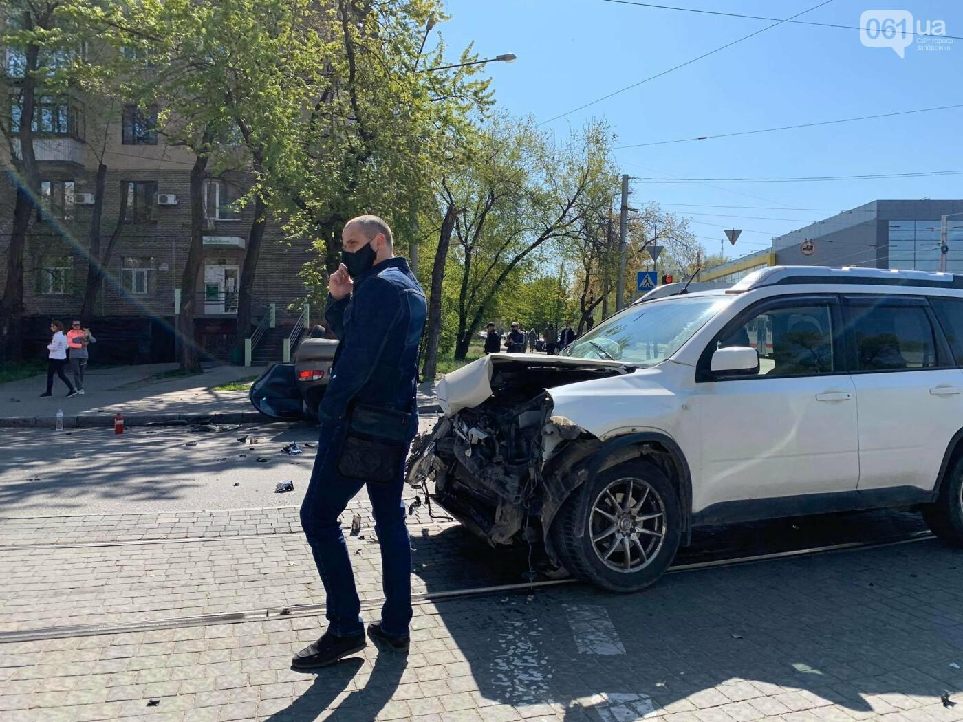 В запорожской полиции рассказали подробности утреннего ДТП с перевернувшимся авто , фото-2