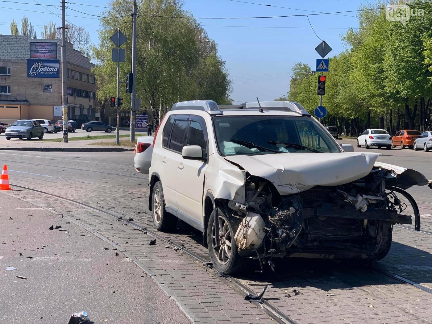 В запорожской полиции рассказали подробности утреннего ДТП с перевернувшимся авто , фото-4