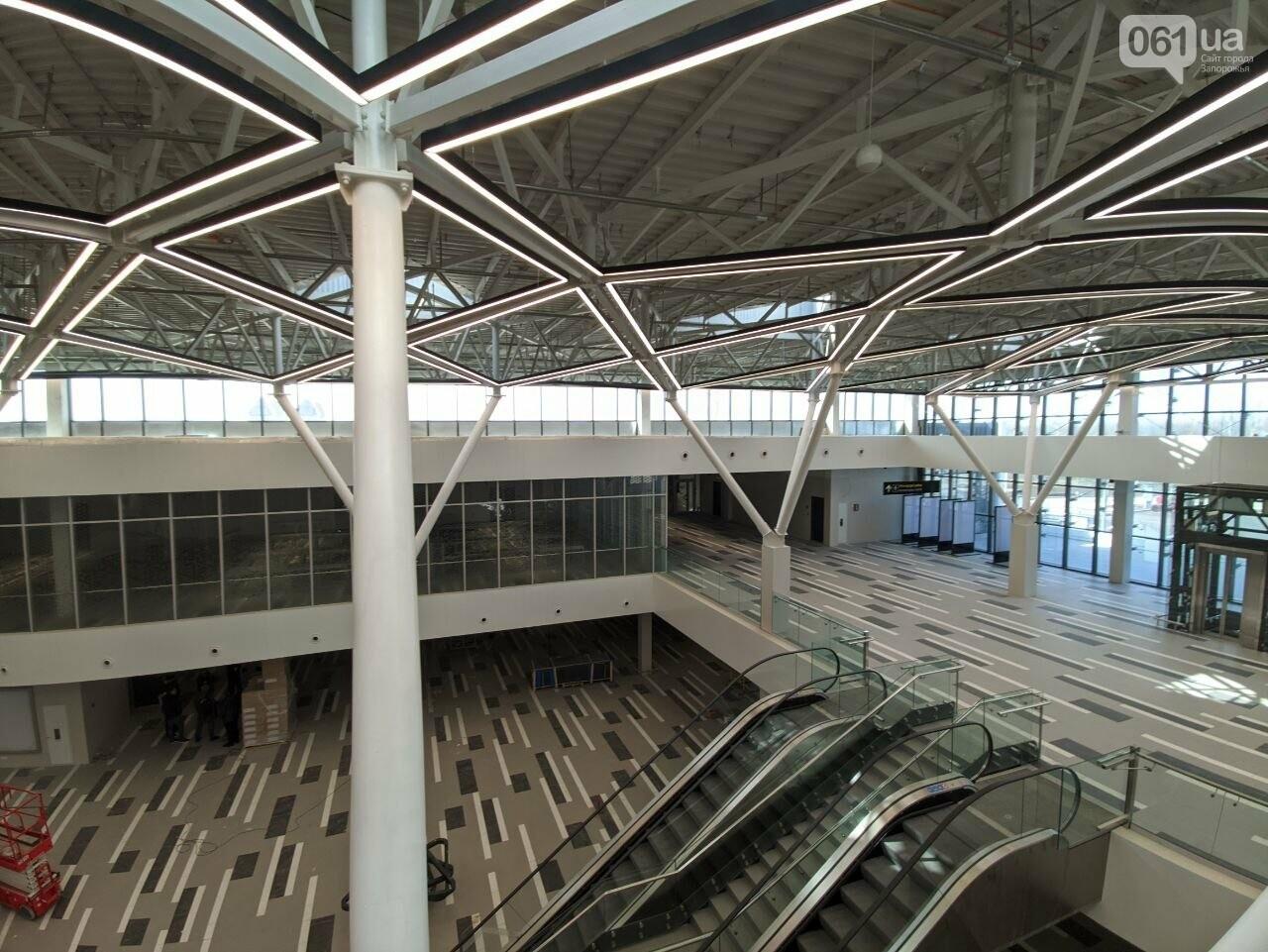 В новом терминале запорожского аэропорта смонтировали систему освещения главного холла, - ФОТО, фото-3