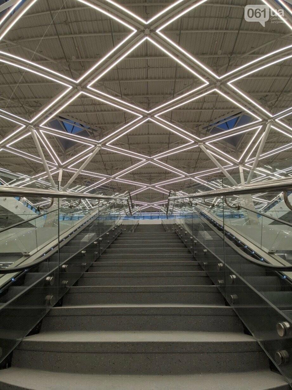 В новом терминале запорожского аэропорта смонтировали систему освещения главного холла, - ФОТО, фото-5