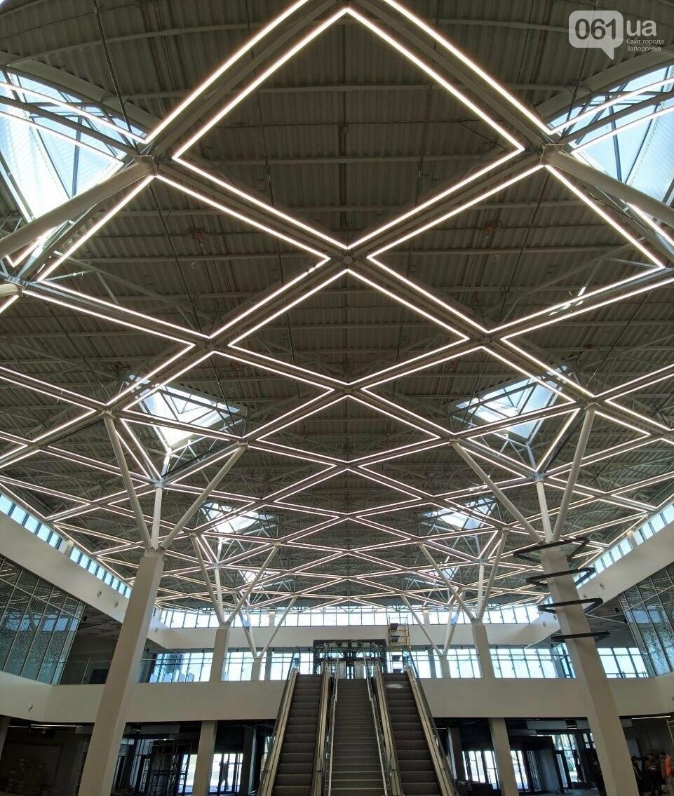 В новом терминале запорожского аэропорта смонтировали систему освещения главного холла, - ФОТО, фото-4