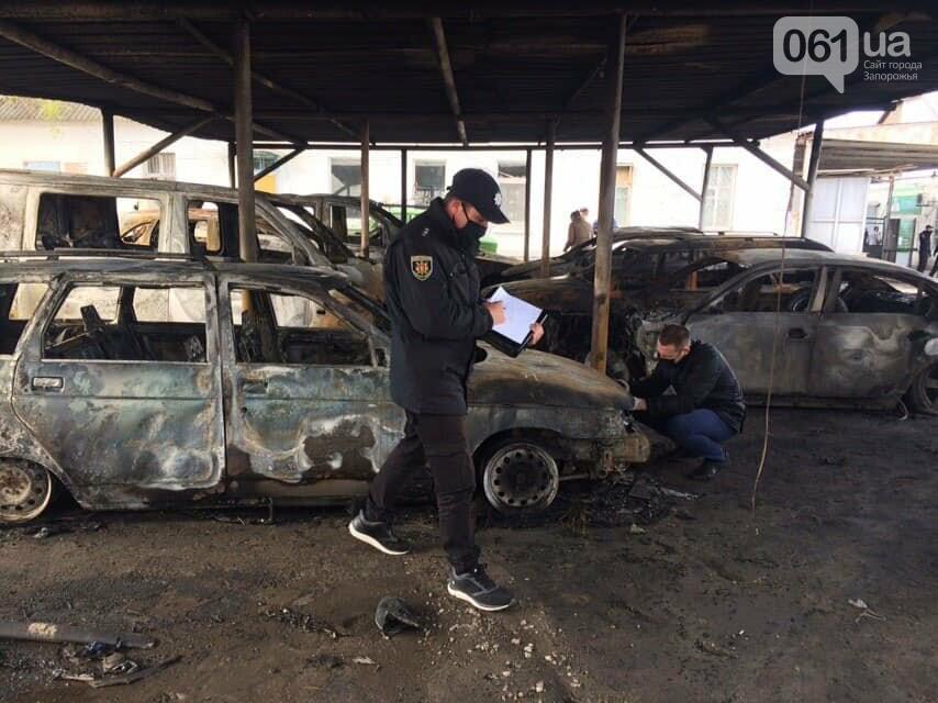В полиции пожар на автостоянке в Васильевке расследуют как поджог , фото-1