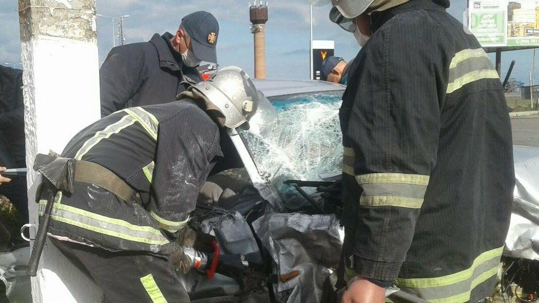 В Кирилловке в результате столкновения BMW и Subaru пострадали двое детей, фото-2
