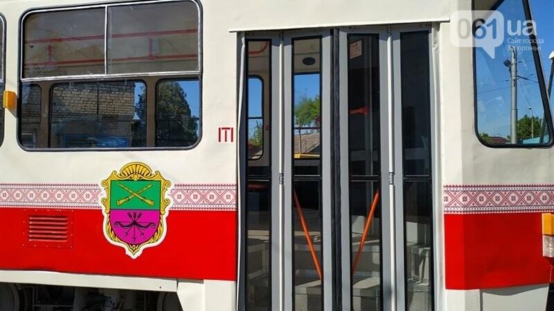 В Запорожье капитально отремонтировали еще два  трамвайных вагона за 600 тысяч гривен, фото-4