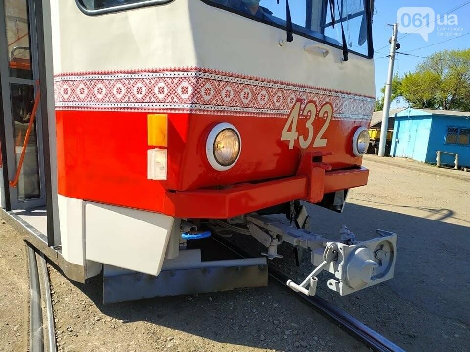 В Запорожье капитально отремонтировали еще два  трамвайных вагона за 600 тысяч гривен, фото-5